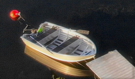 """New (2020) aluminium boat """"Kimble 365 catch"""" with 65 Lbs trolling motor  and oars included in the rent. Fishing is at it´s best in the ocean bay right outside the cottage!"""
