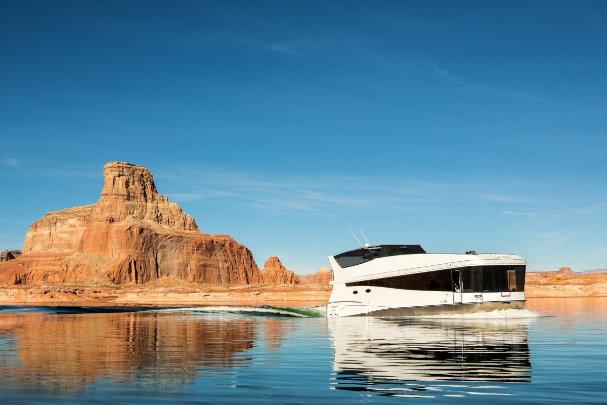 The Axiom Star Yacht is truly a driving 5-star private hotel.