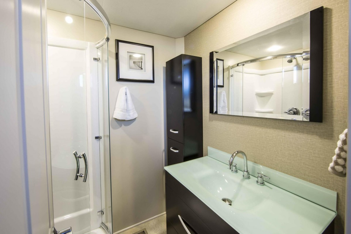 One of the two luxury bathrooms.