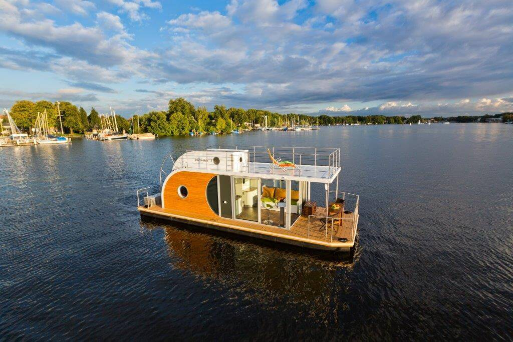 Great design and comfort combined in this special houseboat.