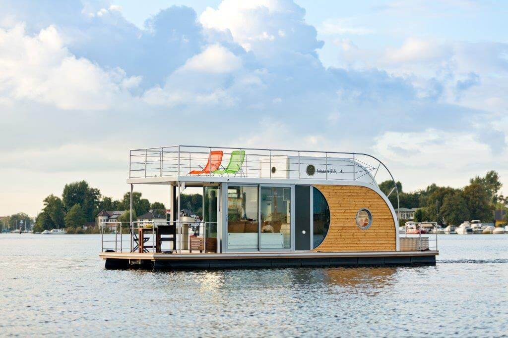 The Berlin Houseboat in all her beauty.