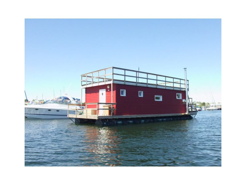 This houseboat has a typical scandinavian design.