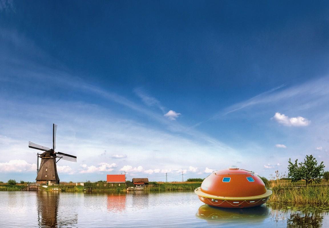 The capsule in its beautiful surroundings