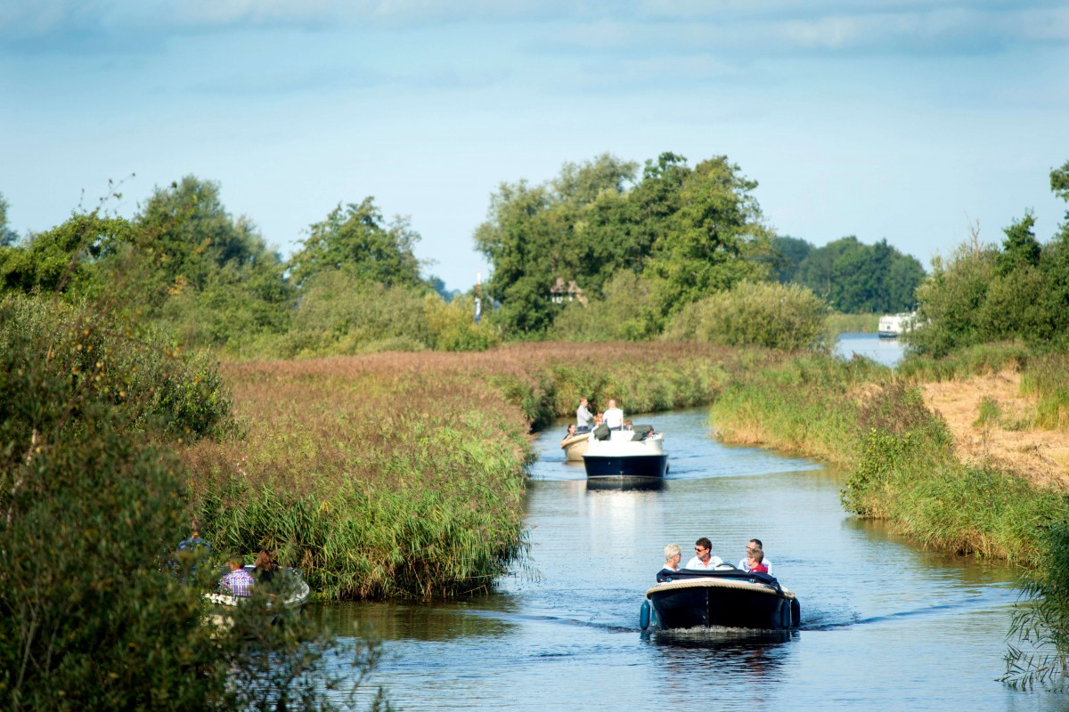 The houseboat is located in the middle of an amazing nature reserve.