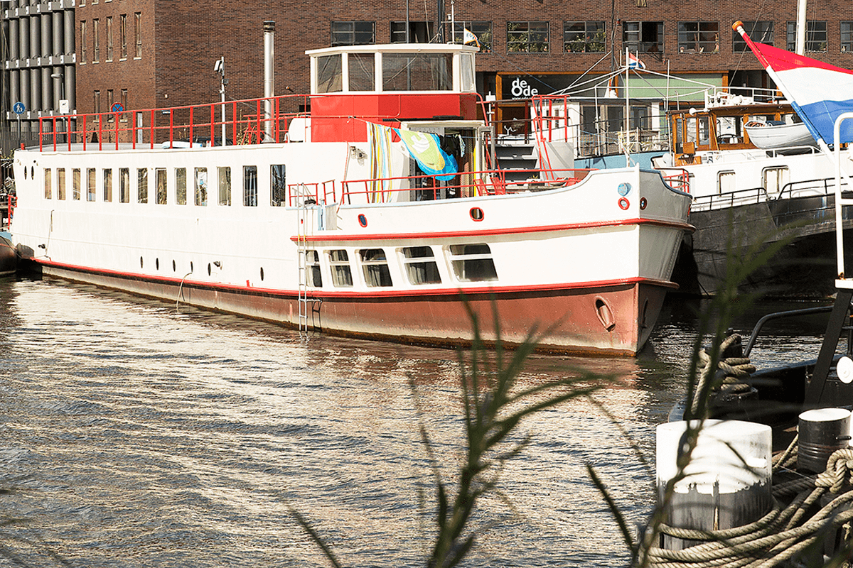 Here's the ship Sachsen-Anhalt seen from the Verbindingsdam.