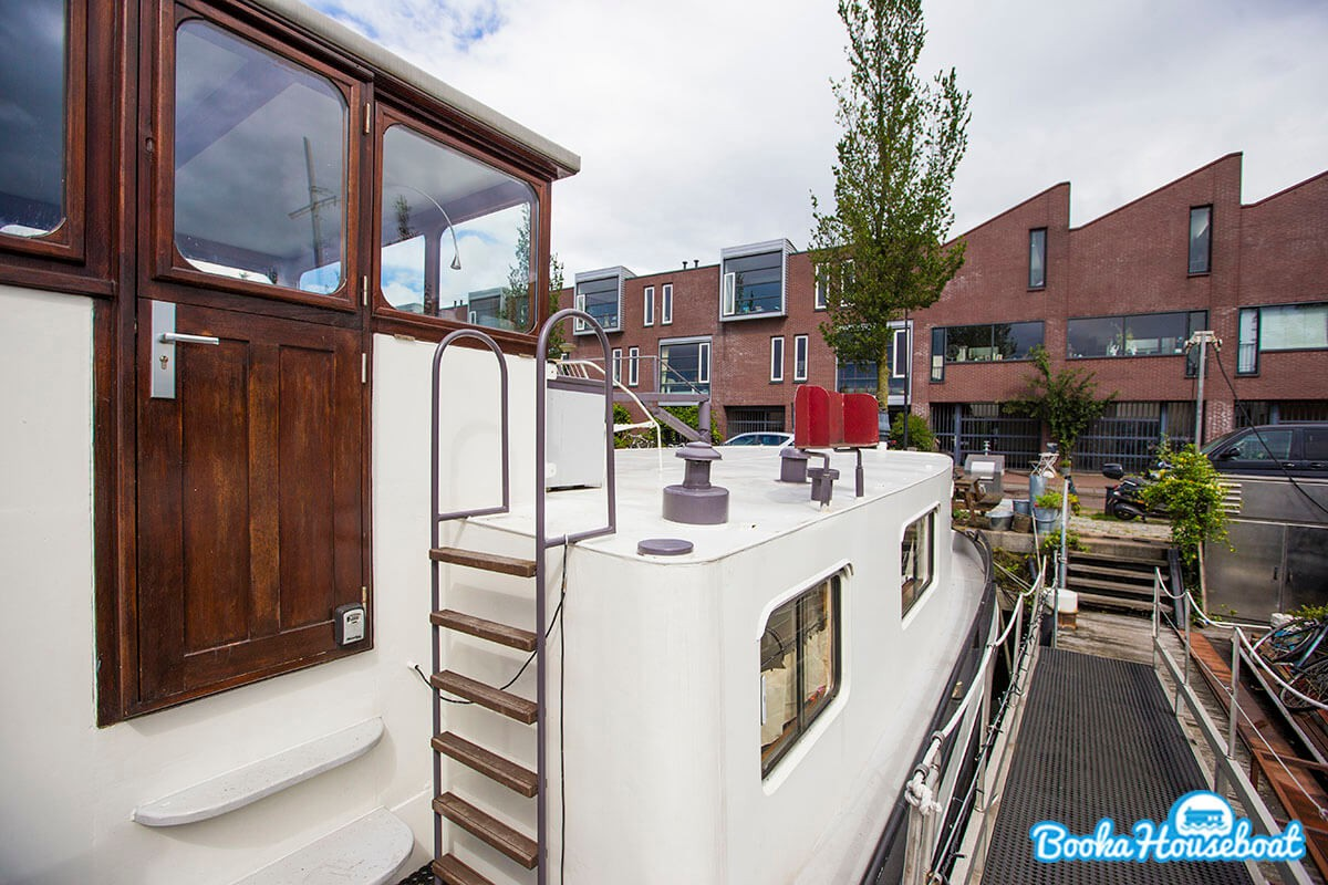The houseboat is located in a famous architectural area.