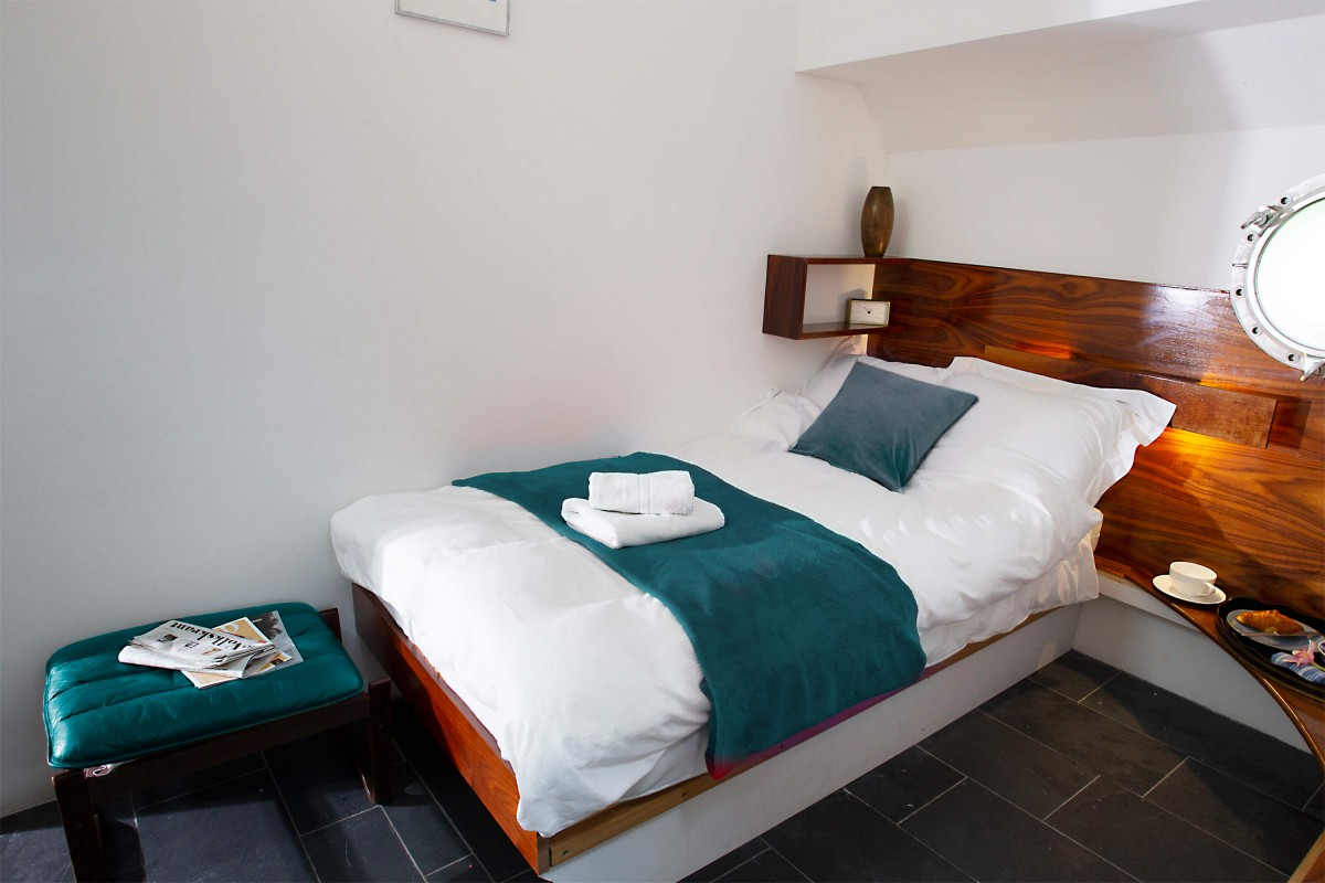 Bedroom 3 with single bed (we can also make a double bed in this bedroom)