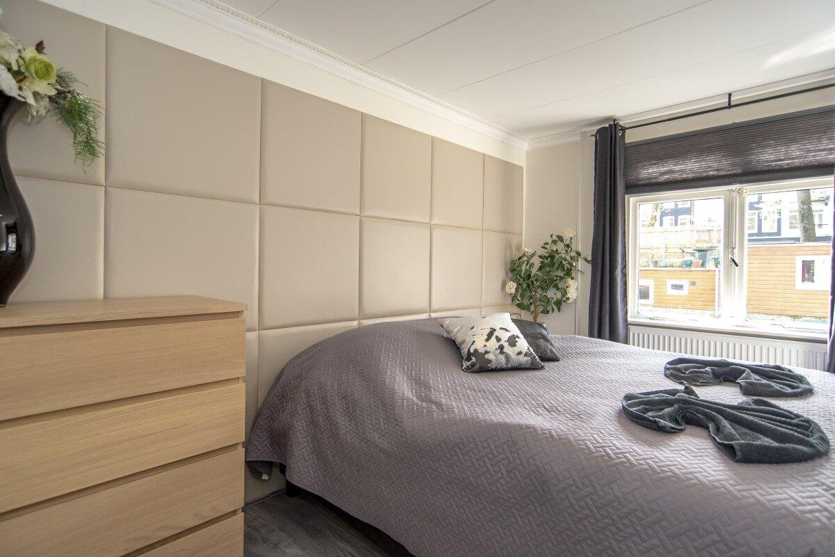 Bedroom 1 on houseboot