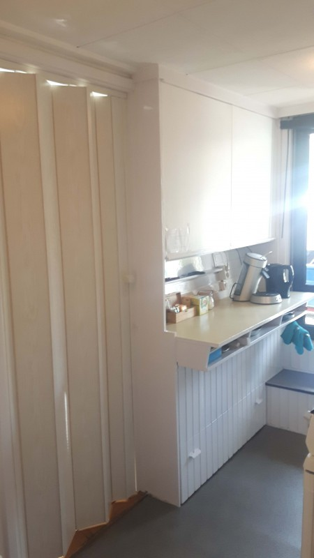 Private kitchen with Nespresso, toaster, waterboiler, stove, fridge