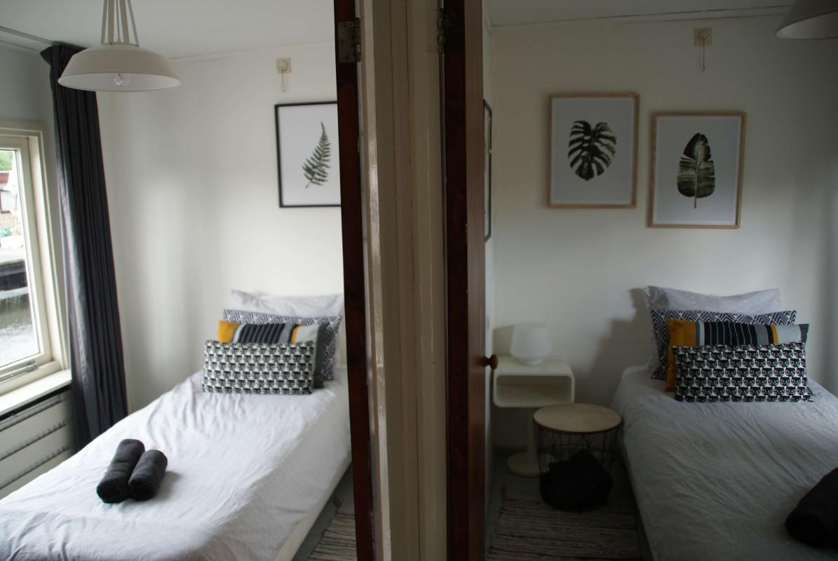2 single rooms