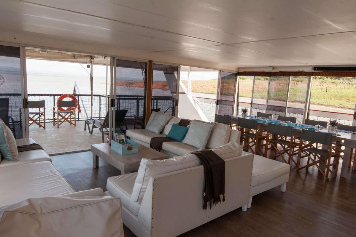 Louez Une Casa Flotante Dans Jozini Luxurious Houseboat On