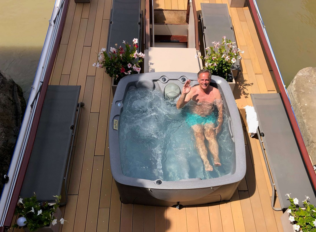 Esperance hot tub