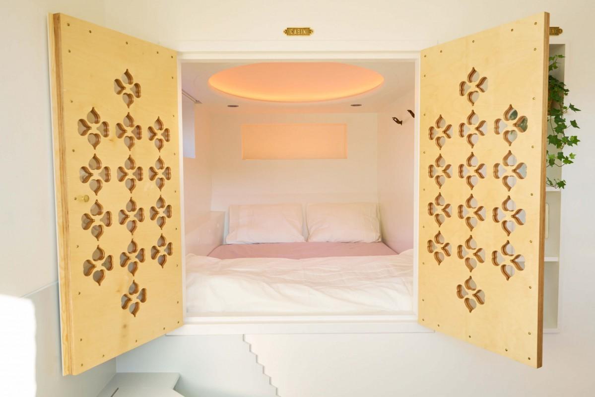Cupboard-bed 2