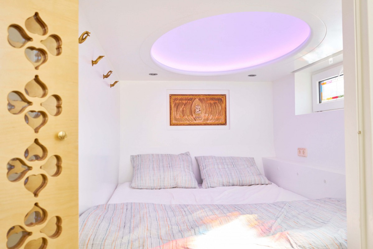 Cupboard-bed 1