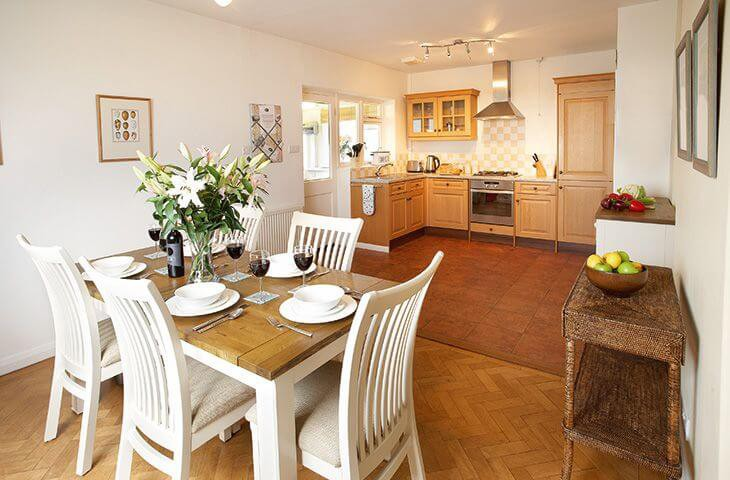 Dining room and fully equipped kitchen