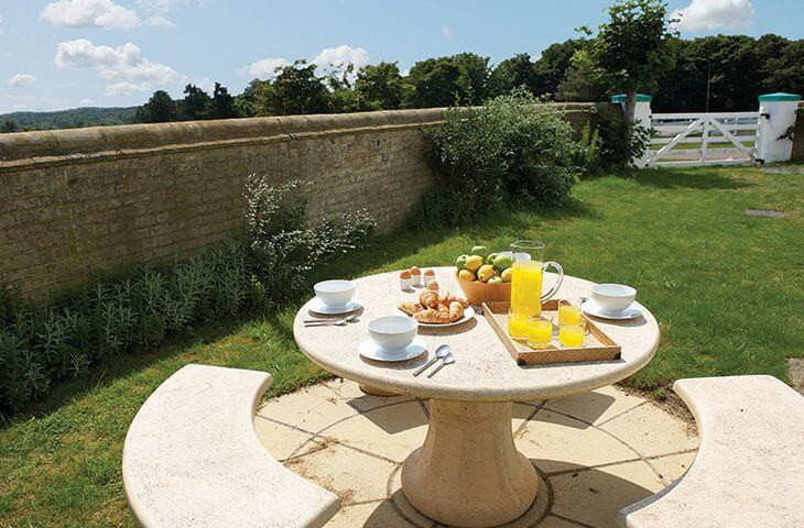 Walled garden area perfect for al fresco dining