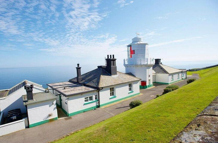 Whitby Lighthouse and cottages