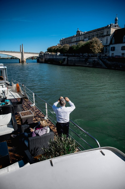 Guests cruising into Chalon-Sur-Saône on board the Grand Victoria