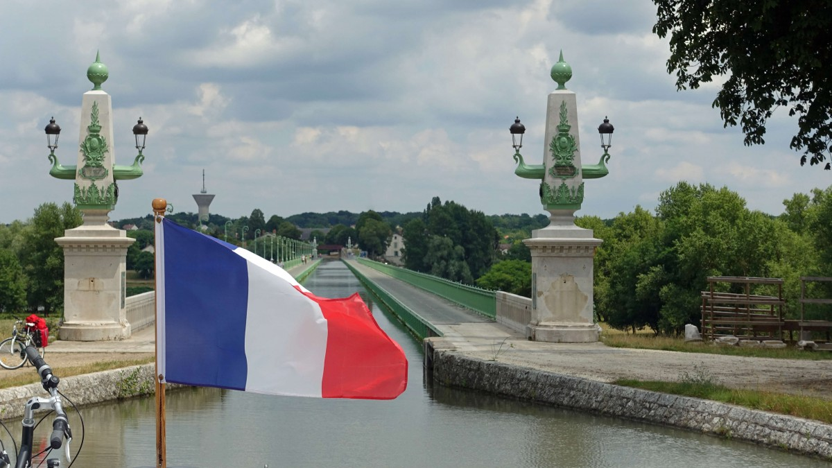 Pont Canal at Braire