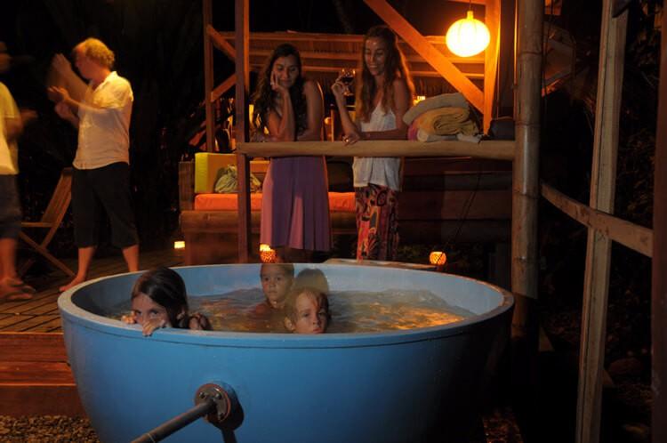 Tree House tub