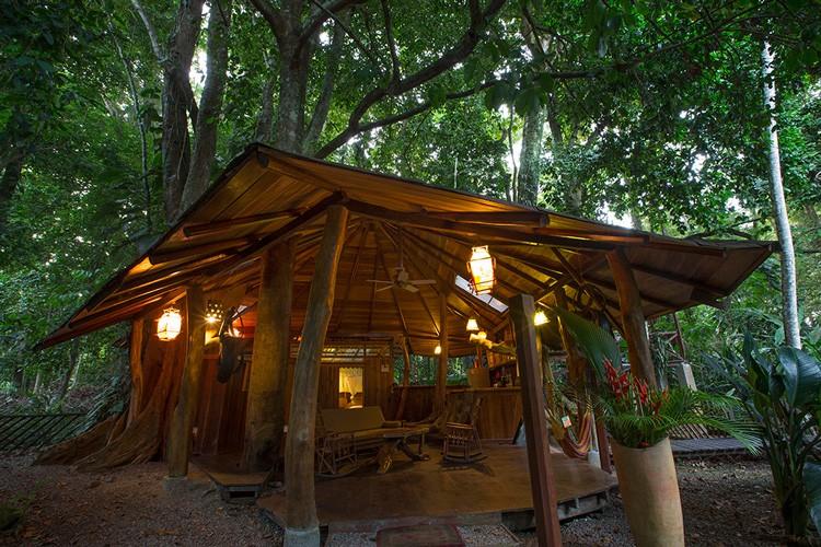 Tree House outside 4