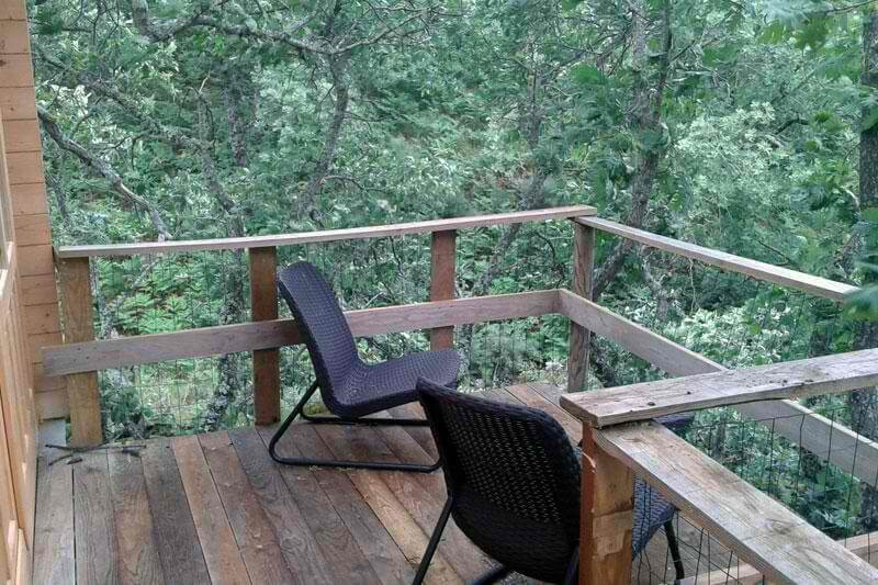 Musgo treehouse balcony