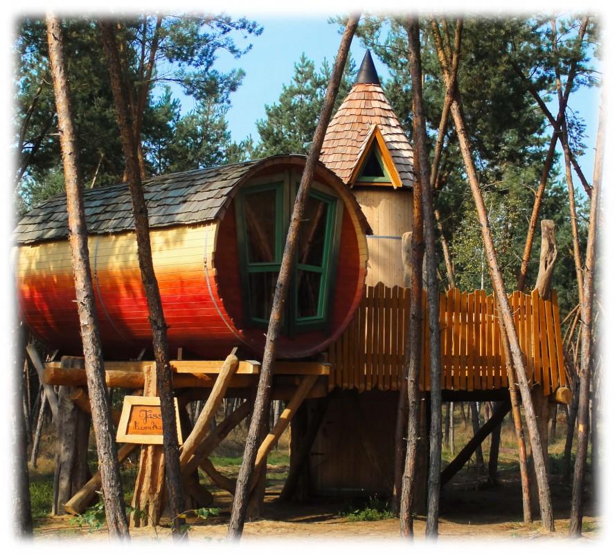 Barrel Treehouse