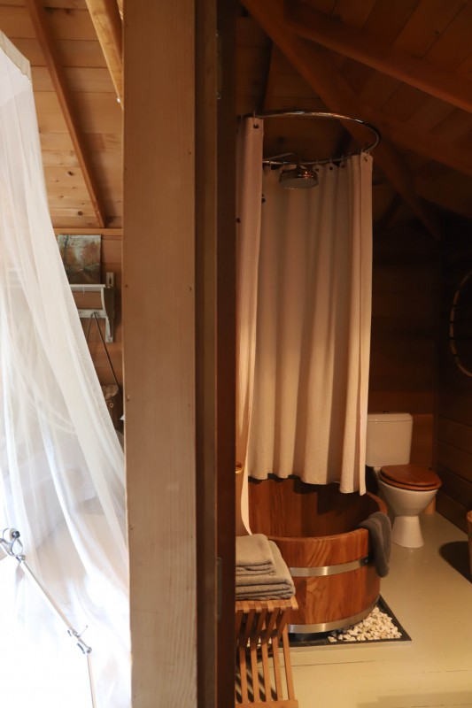 Bathroom in the Treehouse with Round Sunny Terrace Treehouse