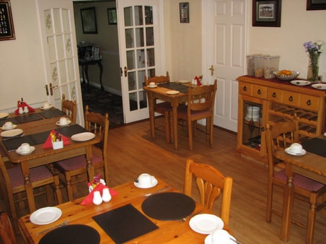The breakfast and dining room