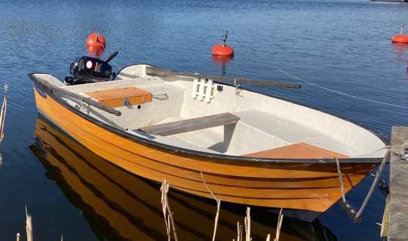 Upgrade to this boat with 6 hp petrol outboard