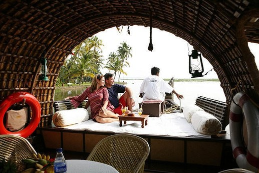 The open front deck gives great view over the Kerala waters.
