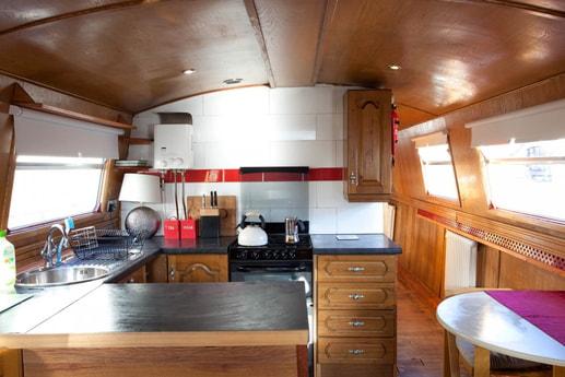 Kitchen on barge Scéal Eile