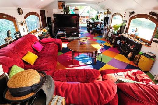 Cozy, spacious living room