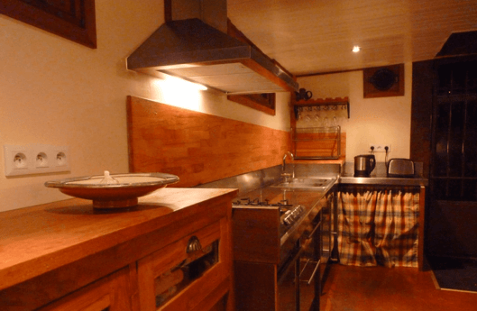 Equipped kitchen for cooking delicious homemade meals!