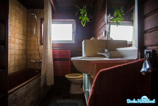 Houseboat 426 Halfweg photo 8