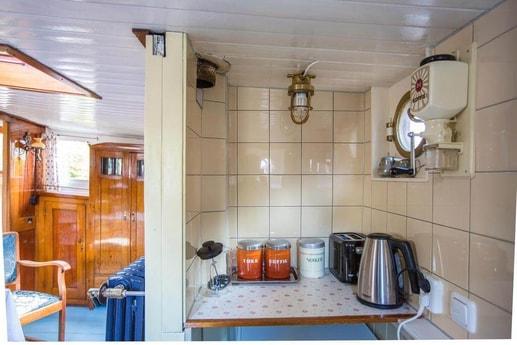 Houseboat 566 Amsterdam photo 10