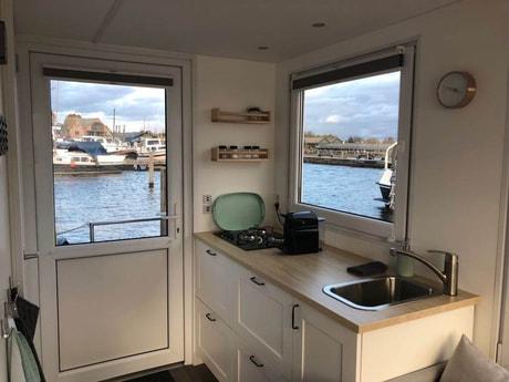 Houseboat 587 Loosdrecht photo 7