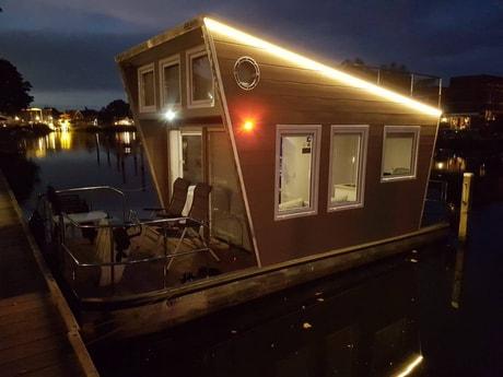 Houseboat 587 Loosdrecht photo 1