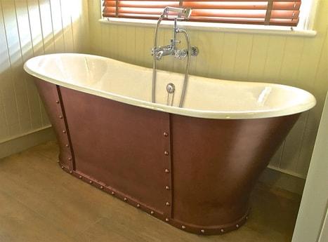 Cabin 1 en-suite bath