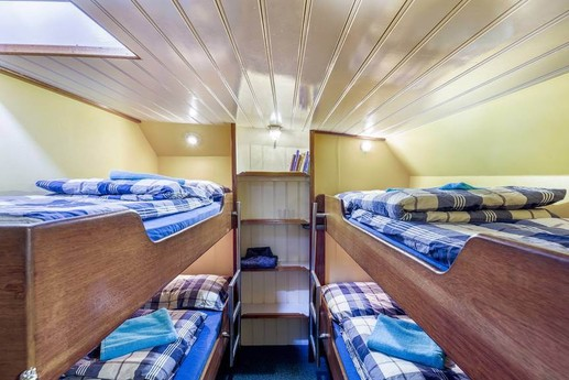 Woonboot 661 Harlingen foto 9