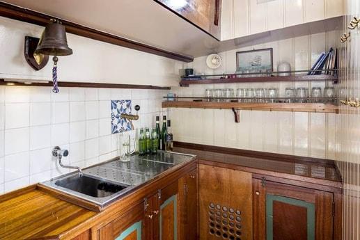 Woonboot 661 Harlingen foto 7