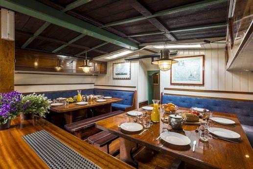 Woonboot 661 Harlingen foto 5