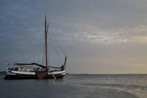 Woonboot 661 Harlingen foto 2