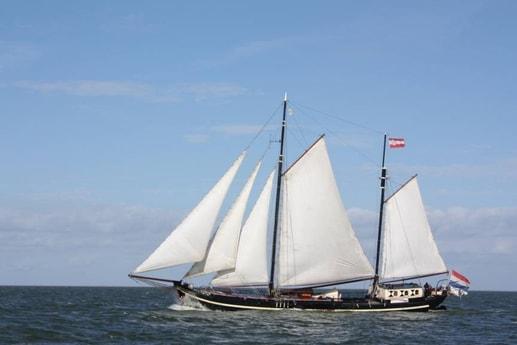 Houseboat 667 Monnickendam photo 0