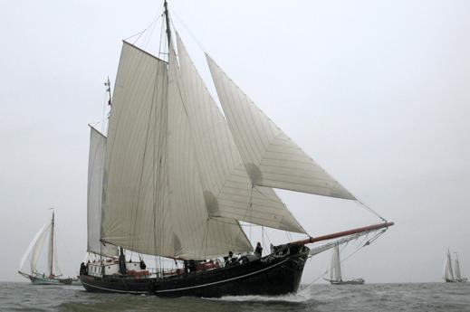 Woonboot 700 Harlingen foto 0