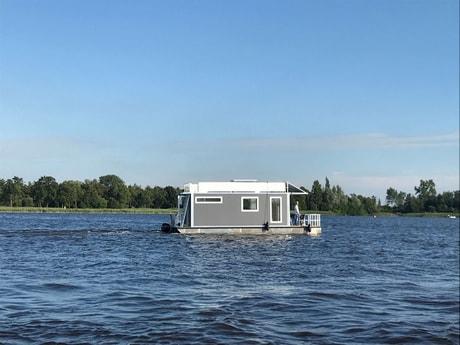 Houseboat 727 Loosdrecht photo 1
