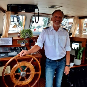 Host and owner Gros welcomes you on board.