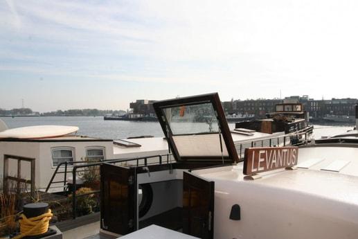 Houseboat 786 Amsterdam photo 2