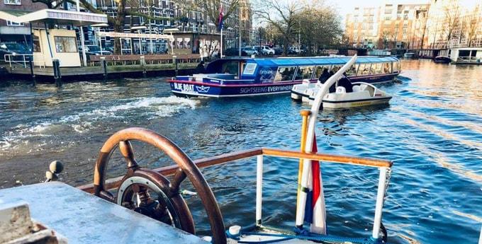 Houseboat 794 Amsterdam photo 2