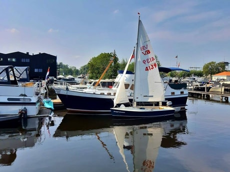 We have our own sailing boat for private sailing instruction